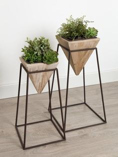 Bungalow Rose Paulina Geometric Wood and Metal Pot Planter Set Best Indoor Plants, Indoor Planters, Indoor Plant Pots, Modern Planters, Metal Planter Boxes, Planter Pots, Metal Design, Modern Design, House Plants Decor