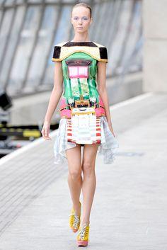 Mary Katrantzou Spring 2011 Ready-to-Wear Fashion Show - Kristy Kaurova