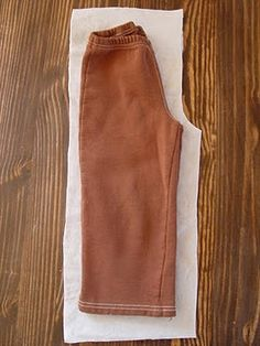 How to make toddler pants - Brown Paper Packages: Clothing, Part 1 Sewing Pants, Sewing Clothes, Diy Clothes, Toddler Pants, Kids Pants, Baby Sewing Projects, Sewing For Kids, Sewing Tips, Sewing Ideas