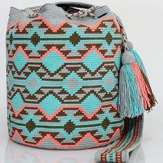 334 отметок «Нравится», 2 комментариев — Just Wayuu (@just.wayuu) в Instagram: «Handcrafted handbags made by indigenous wayuu in the north of Colombia. Worldwide shipping – envíos…» Tapestry Bag, Tapestry Crochet, How To Make Handbags, Fashion Backpack, Backpacks, Poufs, Pattern, Instagram, Crochet Purses