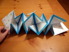 Crafts for Kids Blog » Tutorial : How to Make Mini Accordion Books