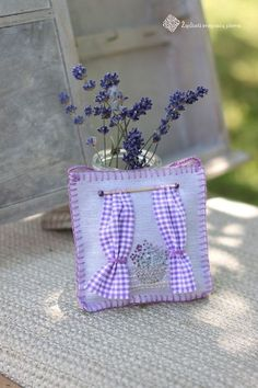 Really pretty lavender bags/sachets Lavender Crafts, Lavender Bags, Lavender Sachets, Lavender Fields, Lavender Flowers, Lavander, Sewing Crafts, Sewing Projects, Lavender Cottage
