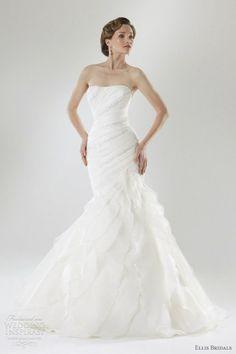 Really pretty dress!