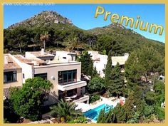 Villa mit drei Wohneinheiten und grandiosem Meerblick in Cala Provençals