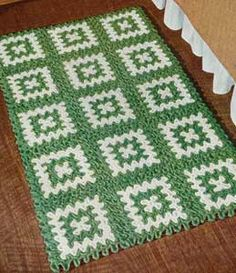 The Green and White Rug Pattern Tutorial ༺✿ƬⱤღ  https://www.pinterest.com/teretegui/✿༻