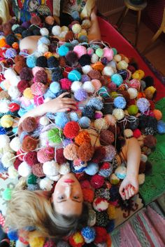 all over pompoms mei 2016