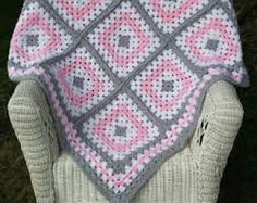Resultado de imagen de granny square pink and grey