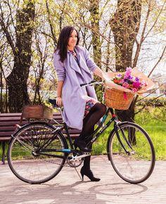 Весна в городе)  люди  высыпали на улицы машины разъехались в направлении дач красота!  #велокаменная // Finally real spring in Moscow by vi66nya #instagram #liked