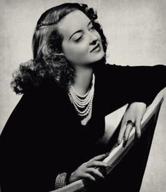 Bette Davis, deep in thought. Old Hollywood Stars, Hollywood Icons, Old Hollywood Glamour, Golden Age Of Hollywood, Vintage Hollywood, Classic Hollywood, Hollywood Actresses, Hollywood Jewelry, Hollywood Lights
