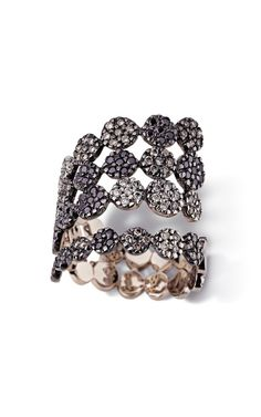 love the roughness of this design: H.Stern Serpent Ring in Noble Gold with diamonds, from Ancient America collection
