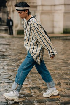 As the fashion marathon enters week two, here are our favorite looks from Paris, from extra-chunky sneakers to extremely touchable topcoats. Big Men Fashion, Best Mens Fashion, Paris Fashion, Men's Fashion, Tokyo Fashion, Hipster Fashion Guys, Winter Fashion, Fashion Design, Stylish Mens Outfits