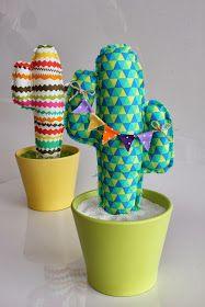 Siguiendo con el gusto por los colores vivos y alegres, os presento un nuevo modelo de cactus, más moderno, más original.... y facilísimo!!!...