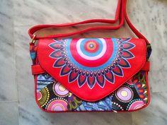 OTINANAI: Υπέροχη κόκκινη τσάντα κρεμαστή με ζωγραφιές !!!