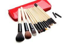 SPECIAL PRICE!!!Professional Fashion 15pcs Make up Cosmetic Brush set Kit Case Red by QuanFu, http://www.amazon.co.uk/dp/B00FGHKMQY/ref=cm_sw_r_pi_dp_cIeYsb0ZG0WVW/278-3574973-4000112