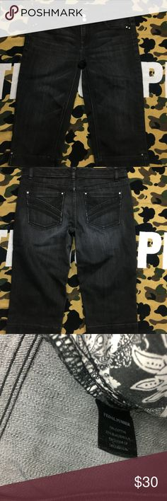 🔥 White House Black Market Black Denim Jeans White House Black Market Black Capri Pedal Pusher Denim Jeans  ,Please Refer to the Pictures  Size Blanc 6  Measurements:   • Waist - 15.5 (31) in  • Rise - 8.5 in  • Inseam - 16 in  Thank You for checking Out This Item :) , Be sure to add other Items from my Closet to Your Bundle before you Checkout for 10% off your order!  Fishman11 - K27 Cross White House Black Market Jeans