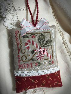Carolina Stitcher: Twelve days til Christmas. And a picture walk~ Cross Stitch Christmas Stockings, Xmas Cross Stitch, Cross Stitch Pillow, Christmas Cross, Counted Cross Stitch Patterns, Cross Stitch Charts, Cross Stitch Designs, Cross Stitching, Cross Stitch Embroidery