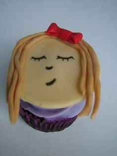 gabriella cupcakes for the Justin Bieber Party