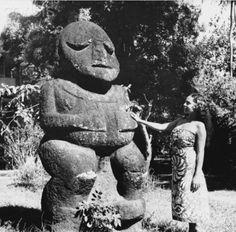 Stream Things should move faster by EdOKaOs from desktop or your mobile device Tiki Hawaii, Hawaiian Tiki, Arte Tribal, Tribal Art, Tiki Totem, Tiki Tiki, Tiki Hut, Polynesian Art, Vintage Tiki
