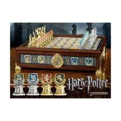Noble Collection - Harry Potter - Hogwarts Houses Quidditch Chess