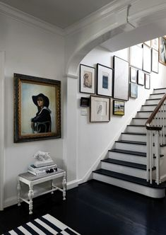 Black & white staircase entry