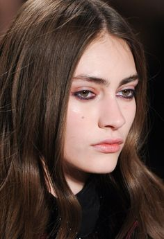 purple under-eye liner at jill stuart fall 2014