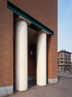 Casa Aurora, Turin (1984-87) | Aldo Rossi