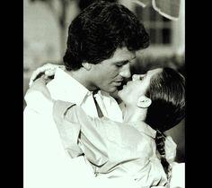 As Bobby with Pamela (Victoria Principal) in Dallas 1978-1991 (1986)