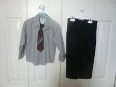 It's Holiday Picture Season! This Mommy in Florida is selling a 3t/4t shirt, tie, and pants set that may be just what you need for your little man this year. Click through to MommyMarket.net to get all of the details!
