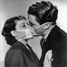 A couple kissing during the flu epidemic, around Flu Epidemic, Today Horoscope, Decoration Bedroom, Black Kids, Time Travel, Black And White Photography, Vintage Photos, Poses, History