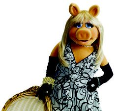 Ms. Piggy gives some fashion & beauty tips..