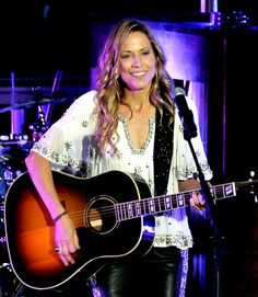 574844c20 Sheryl Crow, this girl can play the bass, rhythm guitar, keyboard, and