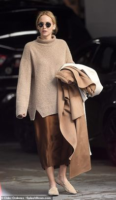 Mode Outfits, Fall Outfits, Fashion Outfits, Style Fashion, Fashion Beauty, Fashion Styles, Le Style Jennifer Lawrence, Pullover Outfit, Celebrity Style Guide