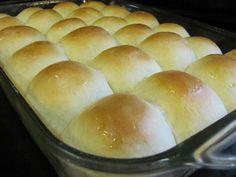 moms holiday dinner rolls