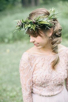 An elegant floral crown for a bride