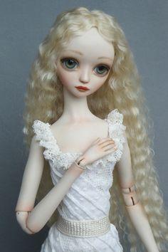 Alina - Porcelain ball jointed doll BJD