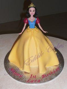 Girl's Princess, Snow White Dolly Varden Birthday cake