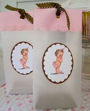 how precious are these? they look easy to make too.  just need a vintage looking baby in a tutu and/or tiara!
