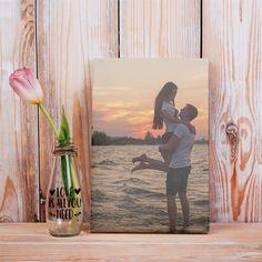 Regala un lienzo personalizado con tu foto favorita para decorar cualquier pared. Painting, Ideas, Art, Canvas Photos, Shop Displays, Xmas, Art Background, Painting Art, Kunst