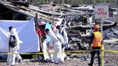Image caption                                      Las investigaciones sobre la causa de la explosión tardarán varios días.                                Juan Ruiz tenía unos minutos en el mercado de pirotecnia de San Pablito cuando se acordó que dejó la billetera en su auto.  Caminó al estacionamiento, pero entonce