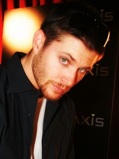 Jensen Ackles... Gah.. *faints* <------OH MY GAWD! HELP ME! I CANNOT BREATHE! #THUD