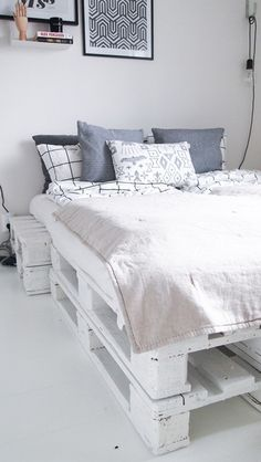 eurolavasänky,vuodevaatteet,pellava,sängynpeite,unelmientalojakoti+tuunausidea,unelmientalojakoti,tuunausidea,makuuhuone,sänky,kuormalava