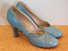 1930s Blue Pumps. I want blue shoes