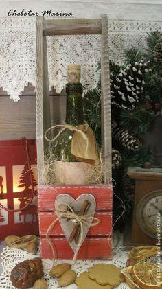 Купить Винный короб РОЖДЕСТВЕНСКИЙ - ярко-красный, винный короб, винная коробка, вино, подарок Country Crafts, Decoupage, Ladder Decor, Cool Stuff, Fa, Home Decor, Ideas, Wooden Crafts, Good Ideas