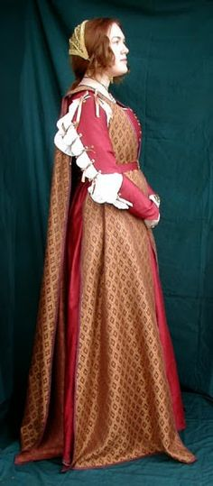 Festive Attyre: Diary of a 1480s Florentine Gown