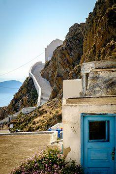 Serifos Island, Greece | In Greek mythology, Serifos is wher… | Flickr Greece In Greek, Greece Islands, Greek Mythology, Stairways, Exotic, Castle, Explore, Mansions, Landscape