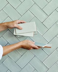 In a sophisticated brick shape and adorable colourways, our Potters Glaze wall tiles have a sense of artisan craftsmanship ideal for how we live today. They are brilliant contrasted with other subtle pastel tones. Glazed Brick, Glazed Walls, Kitchen Wall Tiles, Wall And Floor Tiles, Green Bathroom Tiles, Metro Tiles Kitchen, Ceramic Tile Bathrooms, Küchen Design, Tile Design
