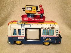 VINTAGE1950S Yonezawa Tin RCA Victor NBC Television TV News Van Battery Toy Car