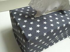 ♥♥♥ Tücherbox ♥♥♥Sterne grau/weiß von Quilt-Cottage auf DaWanda.com