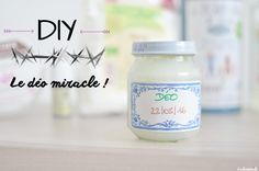 Le déo miracle existe et vous pouvez le préparer en 5 minutes avec peu d'ingrédients et d'ustensiles ! Découvrez vite la recette pour éliminer TOUTE ODEUR ! Beauty Box, Diy Beauty, Beauty Secrets, Beauty Hacks, Diy Deodorant, Organic Lifestyle, Practical Gifts, Natural Cleaning Products, Unusual Gifts