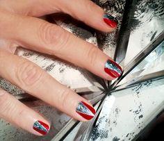 Minnie Driver's Emmy Manicure